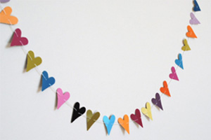 Mini-heart-Valentines-day-bunting-
